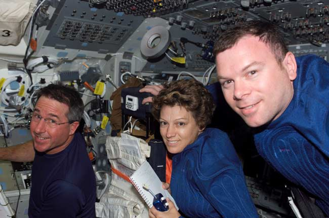 If NASA had known ahead of time Space Shuttle Columbia was going to disintegrate on re-entry, they could have tried to rescue its crew. Here's how.